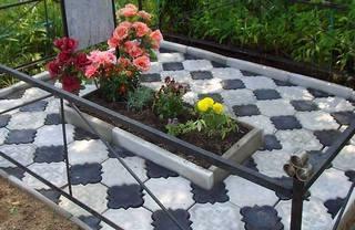 Как положить плитку на кладбище 2